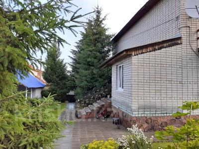 4-комнатный дом, 310 м², 8 сот., Фонтанная за 33.5 млн 〒 в Усть-Каменогорске