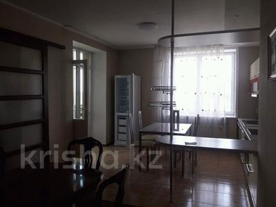 4-комнатная квартира, 193 м² помесячно, Протозанова 141 за 400 000 〒 в Усть-Каменогорске — фото 11