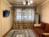 1-комнатная квартира, 32 м², 3/4 этаж посуточно, Тауке Хана 4 — Б. Момышулы за 8 000 〒 в Шымкенте, Аль-Фарабийский р-н
