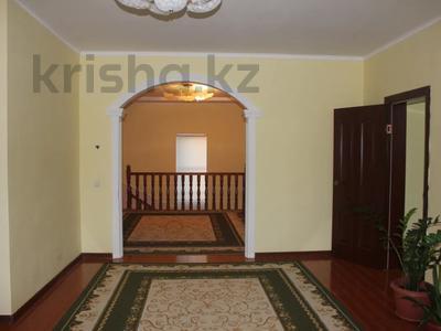 8-комнатный дом, 270 м², 25 сот., Гайдара за 97 млн 〒 в Атырау — фото 8