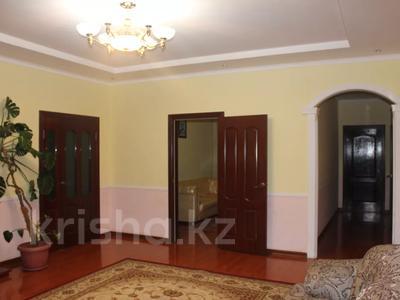 8-комнатный дом, 270 м², 25 сот., Гайдара за 97 млн 〒 в Атырау — фото 14