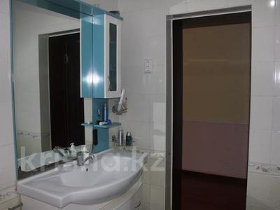8-комнатный дом, 270 м², 25 сот., Гайдара за 97 млн 〒 в Атырау — фото 20