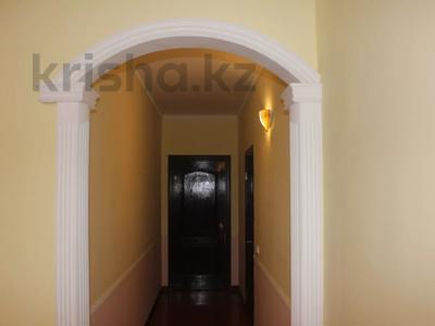 8-комнатный дом, 270 м², 25 сот., Гайдара за 97 млн 〒 в Атырау — фото 23