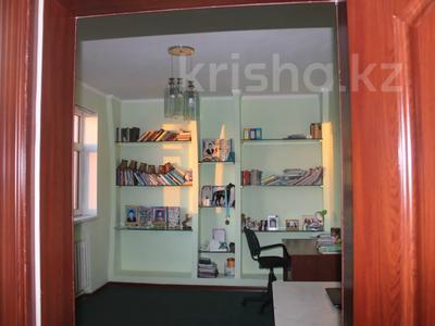 8-комнатный дом, 270 м², 25 сот., Гайдара за 97 млн 〒 в Атырау — фото 6