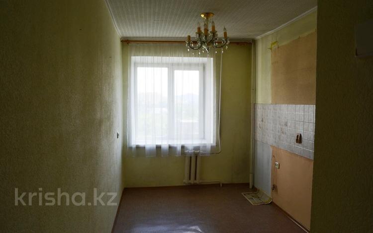 3-комнатная квартира, 61 м², 8/9 этаж, Бурова 24 за 16.5 млн 〒 в Усть-Каменогорске