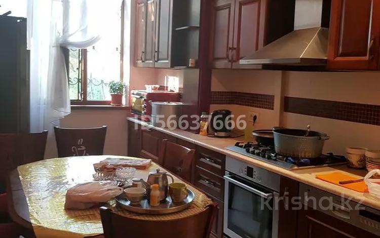 4-комнатная квартира, 100 м², 2/5 этаж, Мкр карасу 3а 3а — 8 марта за 30 млн 〒 в Шымкенте, Аль-Фарабийский р-н