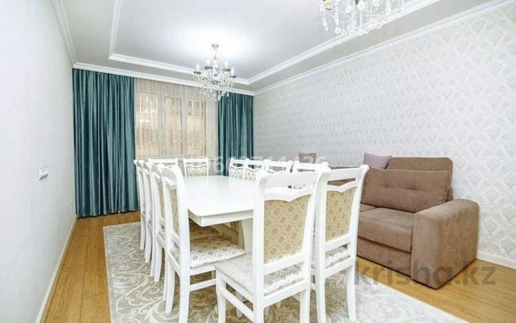 1-комнатная квартира, 44 м², 7/9 этаж посуточно, Достык за 9 000 〒 в Нур-Султане (Астана), Есиль р-н