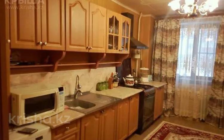4-комнатная квартира, 67 м², 1/9 этаж, 12 мкр. за 12 млн 〒 в Актобе, мкр 12