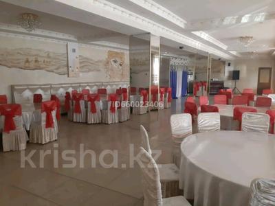 Здание, Алдабергенова 174 — Каблисажырау площадью 1500 м² за 3 000 〒 в Талдыкоргане — фото 3