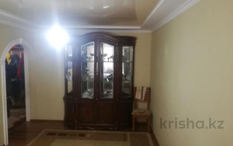 4-комнатная квартира, 86 м², 2/5 этаж, 7 4 за 15.5 млн 〒 в Таразе