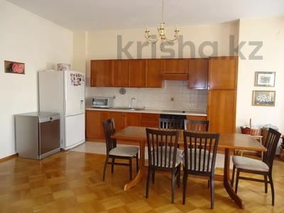 4-комнатная квартира, 200 м², 3/8 этаж помесячно, Достык 116 — Сатпаева за 500 000 〒 в Алматы, Медеуский р-н