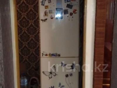 2-комнатная квартира, 45 м², 3/5 этаж, проспект Республики 67/2 за 3.8 млн 〒 в Темиртау — фото 2