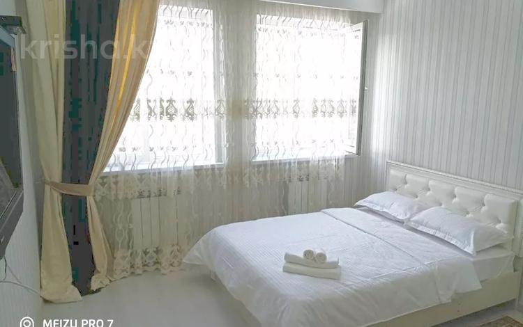 2-комнатная квартира, 55 м², 9 этаж посуточно, Мендикулова 105 — Жолдасбекова за 16 000 〒 в Алматы