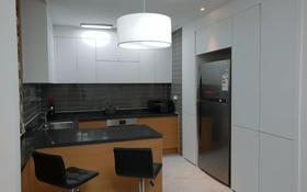 2-комнатная квартира, 76 м², 8/20 этаж помесячно, Кабанбай батыра 43 за 210 000 〒 в Нур-Султане (Астана), Есиль р-н