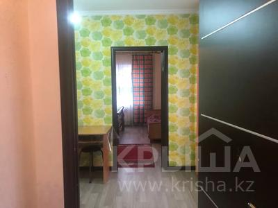 1-комнатная квартира, 39 м², 1/1 этаж посуточно, мкр Достык, Мкр Достык за 5 000 〒 в Алматы, Ауэзовский р-н