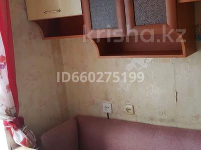 1-комнатная квартира, 36 м², 5/5 этаж помесячно, Торайгырова 61 — Сатпаева за 65 000 〒 в Павлодаре — фото 2