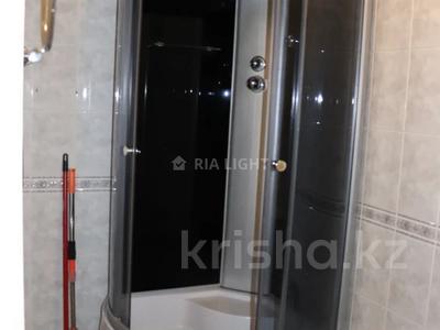3-комнатная квартира, 72 м², 1/12 этаж, мкр Самал-3, Мкр Самал-3 — проспект Аль-Фараби за 28 млн 〒 в Алматы, Медеуский р-н — фото 11