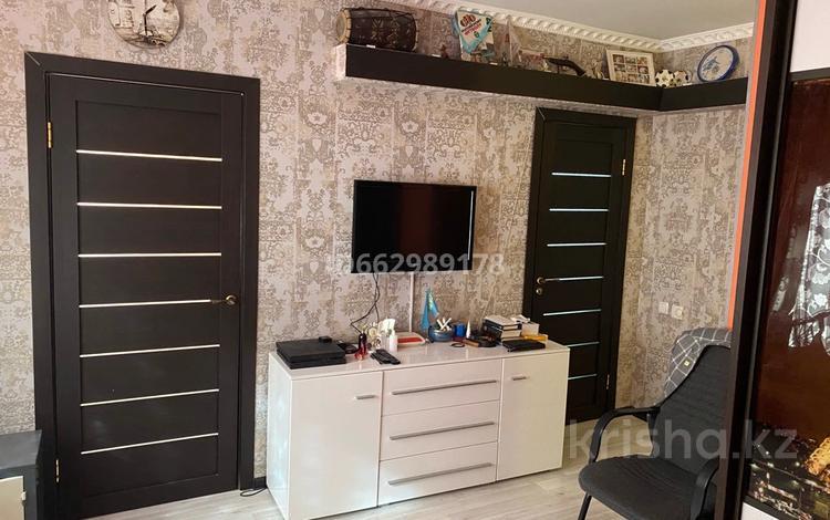 1-комнатная квартира, 27 м², 2/5 этаж, мкр Хан Тенгри, Кенесары-Хана 83 за 17 млн 〒 в Алматы, Бостандыкский р-н