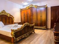 4-комнатная квартира, 160 м², 4/9 этаж посуточно, Кулманова 107 за 25 000 〒 в Атырау