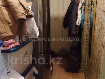 2-комнатная квартира, 43 м², 3/5 этаж, мкр Аксай-3 3 за 18.5 млн 〒 в Алматы, Ауэзовский р-н