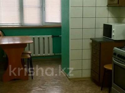1-комнатная квартира, 45 м², 6/8 этаж по часам, Санкибай Батыра 40 за 1 000 〒 в Актобе — фото 3