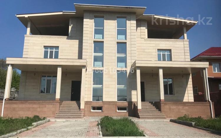 10-комнатный дом, 895 м², 10 сот., мкр Ремизовка за 285 млн 〒 в Алматы, Бостандыкский р-н