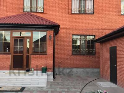 6-комнатный дом, 360 м², 6 сот., Тлепергенова 37 за 70 млн 〒 в Актобе, мкр 5