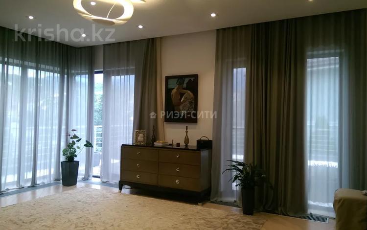 6-комнатный дом, 710 м², мкр Баганашыл за ~ 1.5 млрд 〒 в Алматы, Бостандыкский р-н