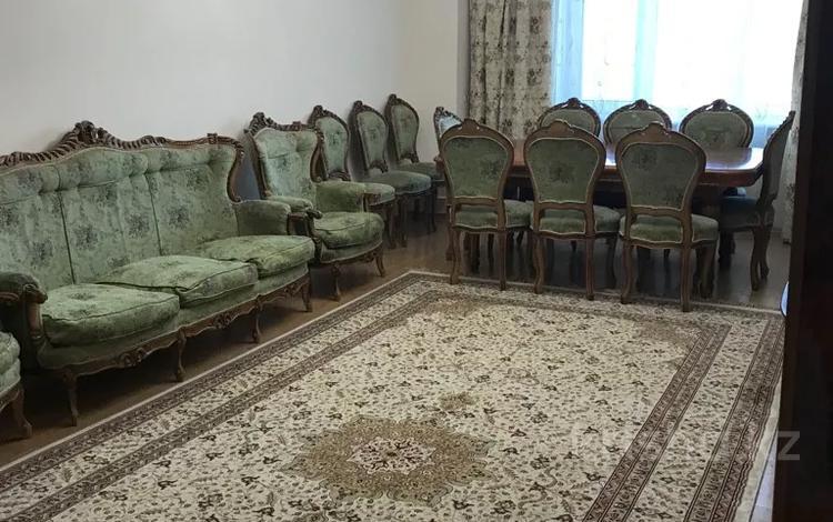 3-комнатная квартира, 125 м², 5/24 этаж помесячно, Кабанбай батыра 11 за 230 000 〒 в Нур-Султане (Астана), Есиль р-н