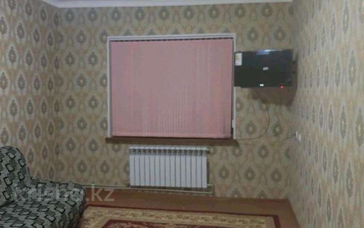 2-комнатная квартира, 52 м², 5/5 этаж, мкр Верхний Отырар — Адырбекова за 15 млн 〒 в Шымкенте, Аль-Фарабийский р-н
