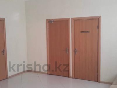 Офис площадью 370 м², Байсеитовой 14 за 54 млн 〒 в Темиртау — фото 5