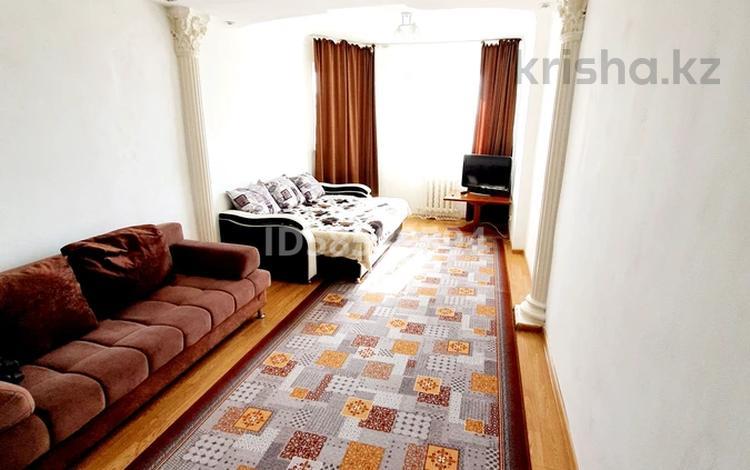 1-комнатная квартира, 55 м², 4/22 этаж посуточно, Тауелсиздик 34 — Момышулы за 6 000 〒 в Нур-Султане (Астана)