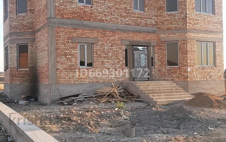 9-комнатный дом, 400 м², 10 сот., мкр Туран за 57 млн 〒 в Шымкенте, Каратауский р-н