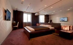 1-комнатная квартира, 32 м², 2/5 этаж посуточно, Бухар жырау 68 — Н. Абдирова за 11 500 〒 в Караганде, Казыбек би р-н