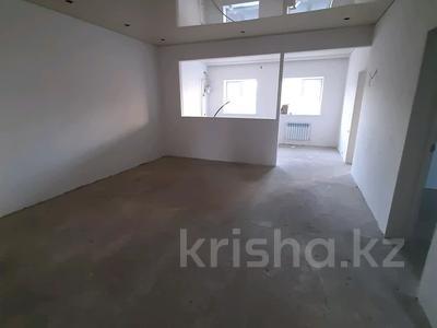 4-комнатный дом, 110 м², 3 сот., улица Шмидта Айталиева 5 за 22 млн 〒 в Уральске