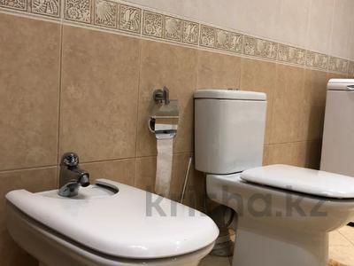 3-комнатная квартира, 106.9 м², 3/6 этаж, Курмангазы за 70 млн 〒 в Алматы, Алмалинский р-н — фото 19
