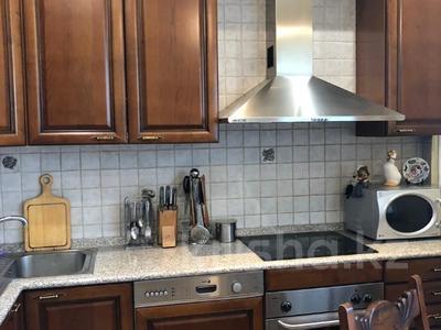 3-комнатная квартира, 106.9 м², 3/6 этаж, Курмангазы за 70 млн 〒 в Алматы, Алмалинский р-н — фото 10