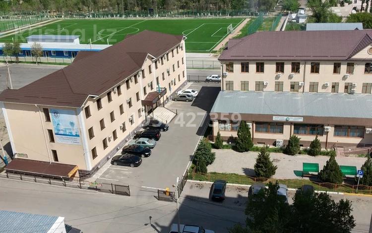 4-комнатная квартира, 90 м², Толе би 94 за 12 млн 〒 в Таразе