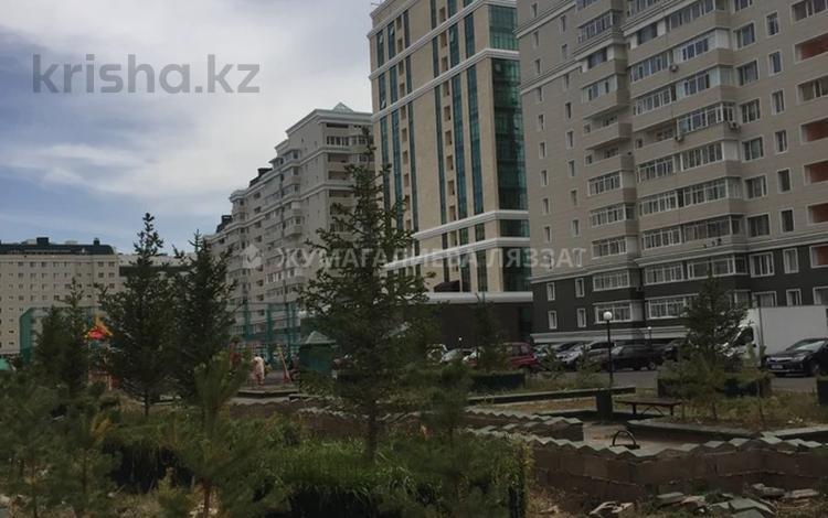 5-комнатная квартира, 241 м², 5/8 этаж, Достык 13 за 87 млн 〒 в Нур-Султане (Астана), Есиль р-н