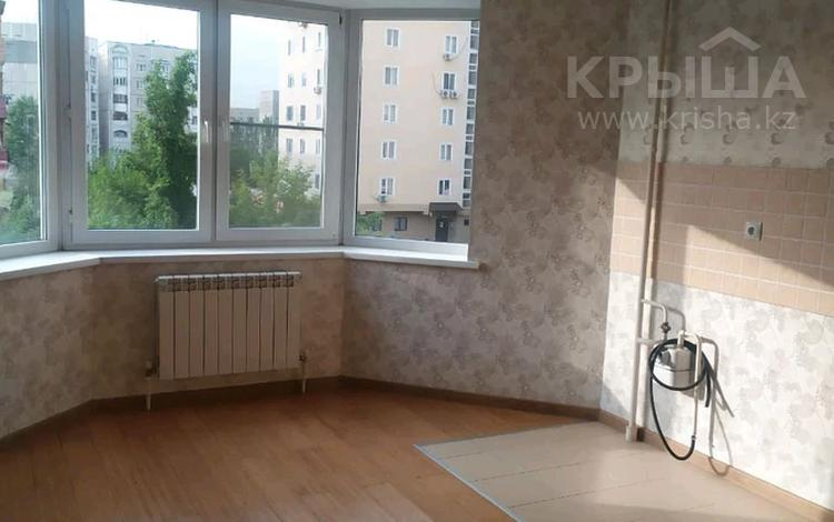 3-комнатная квартира, 106 м², 2/9 этаж, мкр Жетысу-2, Абая за 43.8 млн 〒 в Алматы, Ауэзовский р-н