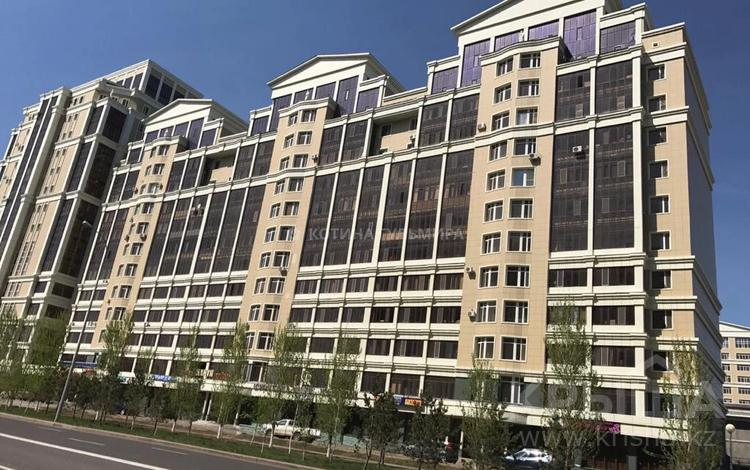 1-комнатная квартира, 51 м², 11/13 этаж, Керей и Жанибек Хандар 22 — Туркестан за 18 млн 〒 в Нур-Султане (Астана), Есиль р-н