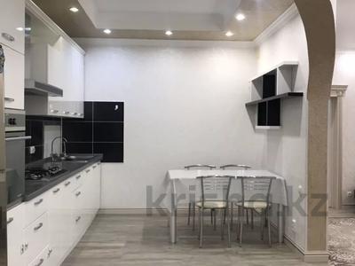 2-комнатная квартира, 70 м², 4/9 этаж помесячно, Кабанбай батыра 46 за 130 000 〒 в Нур-Султане (Астана), Есиль р-н — фото 3