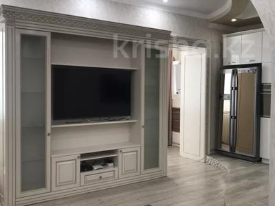 2-комнатная квартира, 70 м², 4/9 этаж помесячно, Кабанбай батыра 46 за 130 000 〒 в Нур-Султане (Астана), Есиль р-н — фото 4