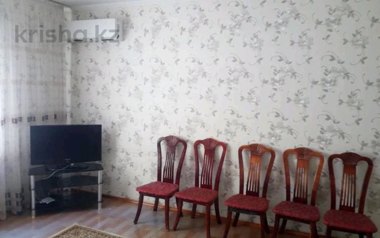 3-комнатная квартира, 93 м², 2/4 этаж помесячно, Каратауский р-н, мкр Нурсат за 100 000 〒 в Шымкенте, Каратауский р-н