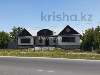 Здание, площадью 465 м², Сулеева 83 — Угол Клубная за 55 млн 〒 в Талдыкоргане