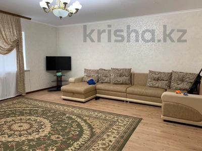 3-комнатная квартира, 120 м², 9/10 этаж, Байтурсынова за ~ 35 млн 〒 в Нур-Султане (Астана), Алматы р-н