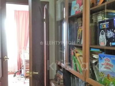 2-комнатная квартира, 54 м², 4/5 этаж, Братьев Жубановых за 9.4 млн 〒 в Актобе — фото 3