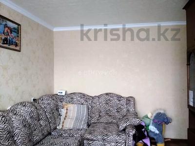 2-комнатная квартира, 54 м², 4/5 этаж, Братьев Жубановых за 9.4 млн 〒 в Актобе — фото 4