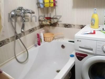 2-комнатная квартира, 54 м², 4/5 этаж, Братьев Жубановых за 9.4 млн 〒 в Актобе — фото 6