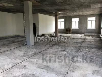 Здание, площадью 1200 м², Райымбека за 45 млн 〒 в Каскелене